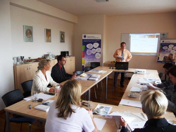 Diskuse se zástupci vzdělávacích institucí